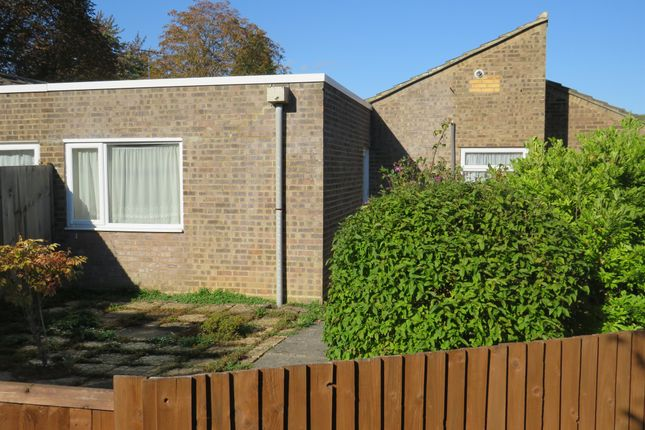 Thumbnail Bungalow for sale in Lincombe Slade, Linslade, Leighton Buzzard