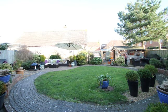 Picture No. 25 of Rowan Way, Angmering, West Sussex BN16
