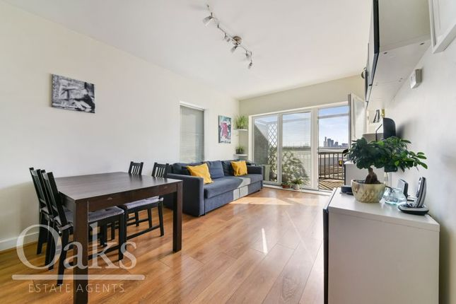 2 bed flat for sale in Watson Place, London SE25