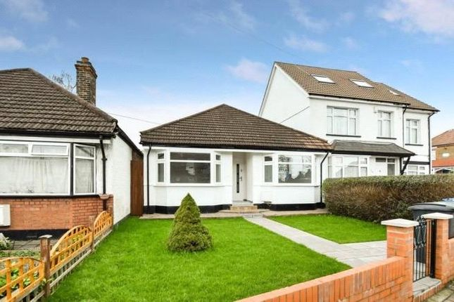 Thumbnail Detached bungalow to rent in Oakleigh Road North, Whetstone, London