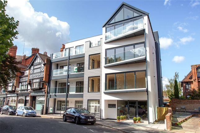 Flat for sale in Station Road, Henley-On-Thames, Oxfordshire