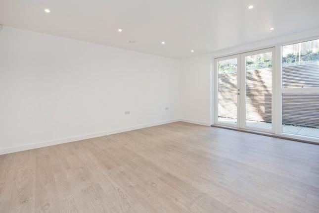 1 bed flat to rent in Woodside Walk, London SE23