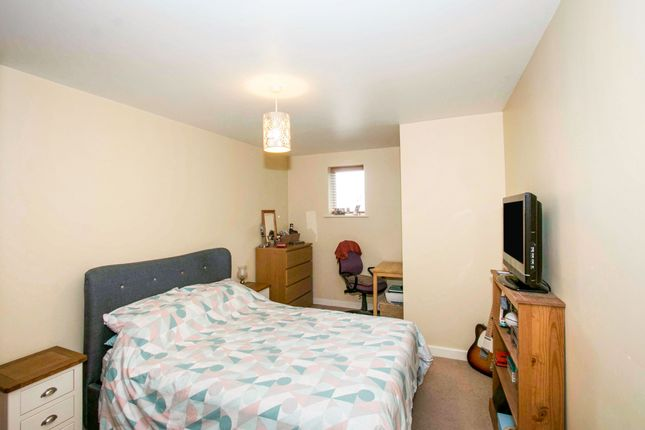 Thumbnail Flat to rent in Beaufoys Close, Ferndown