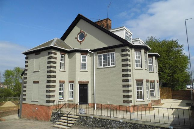 Flat for sale in Wisbech Road, King's Lynn