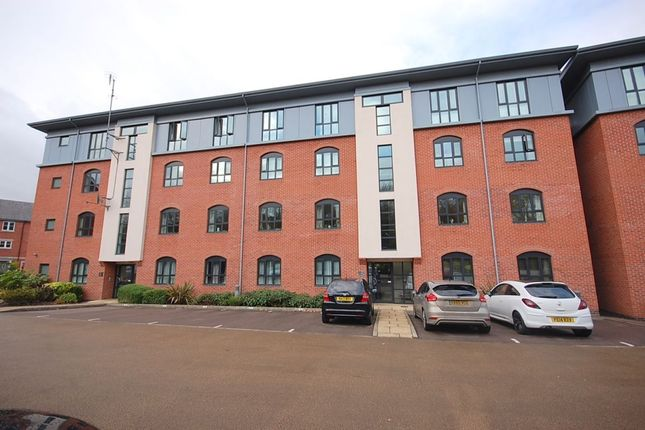 Thumbnail Flat for sale in Leighton Way, Belper