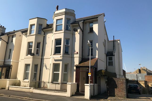 Thumbnail Flat to rent in West Cliff Gardens, Folkestone