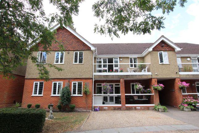 Thumbnail Flat to rent in Kilfillan Gardens, Berkhamsted