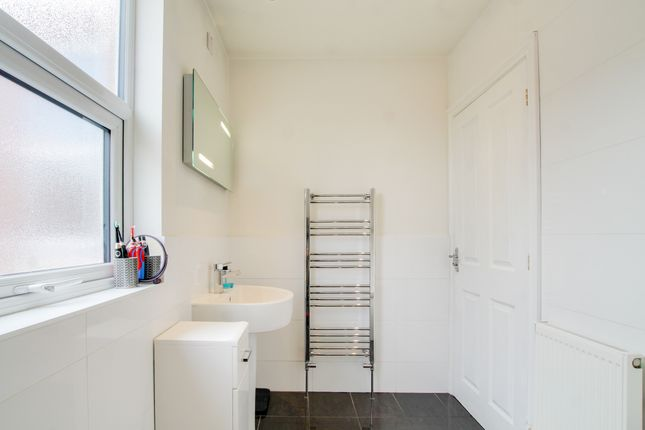 Bathroom of Beaconsfield Road, Westcotes, Leicester LE3