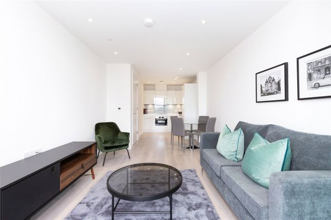Thumbnail Flat to rent in Carriage House, 10 City North Place, London