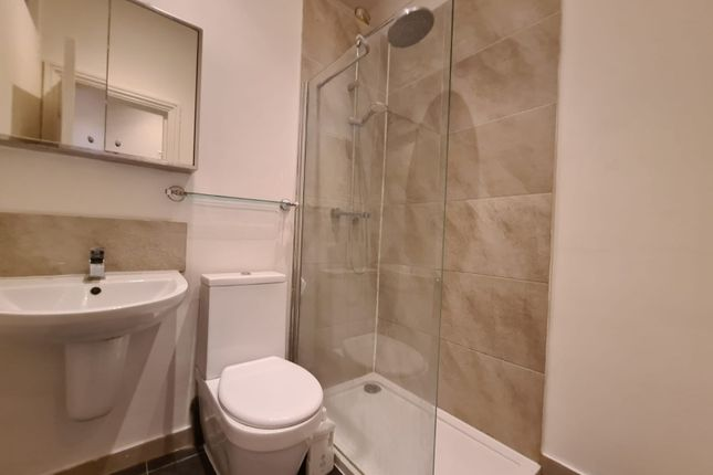 2 bed flat to rent in Endwell Road, London SE4