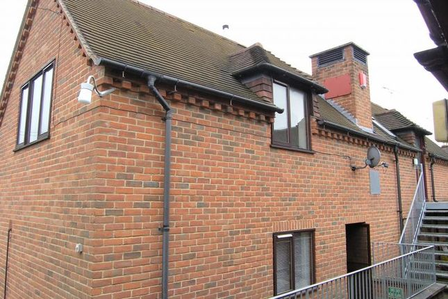 Thumbnail Flat to rent in High Street, Hungerford