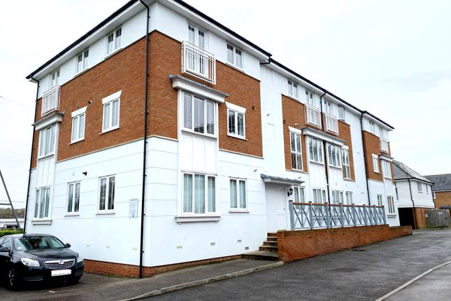 Thumbnail Flat to rent in Wicketts End, Whitstable