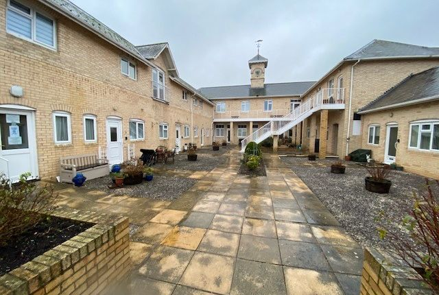 Thumbnail Flat to rent in Steartfield Road, Paignton