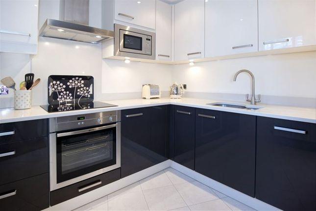 Thumbnail Flat to rent in Pembroke Road, Sevenoaks