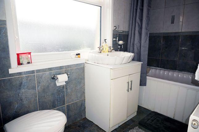 Bathroom of Hill View, Murray, East Kilbride G75