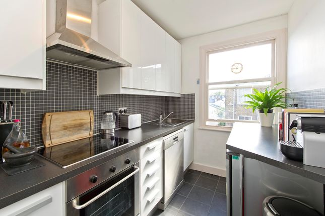 1 bed flat to rent in Blythe Road, London W14