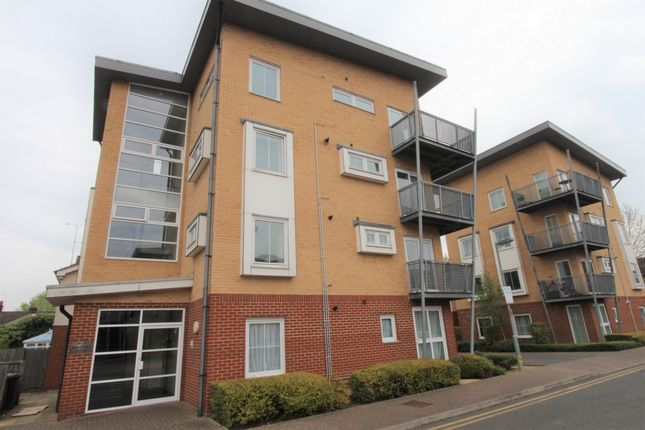 2 bed flat for sale in Whitehall Close, Borehamwood
