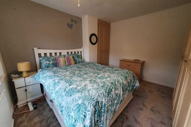 Thumbnail Room to rent in Roundhey, Heald Green, Cheadle