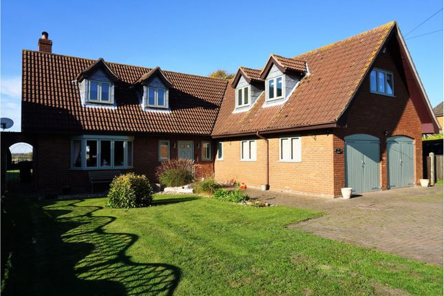 Thumbnail Detached house for sale in Louth Road, Wragby
