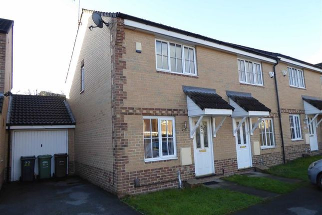 Thumbnail Town house for sale in Pitchstone Court, Farnley, Leeds, West Yorkshire