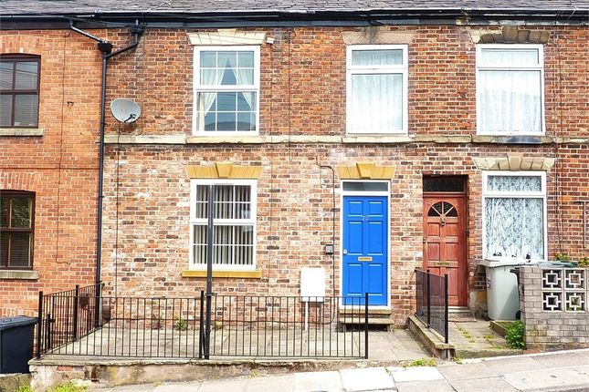 2 bed flat to rent in Brook Street, Macclesfield, Cheshire