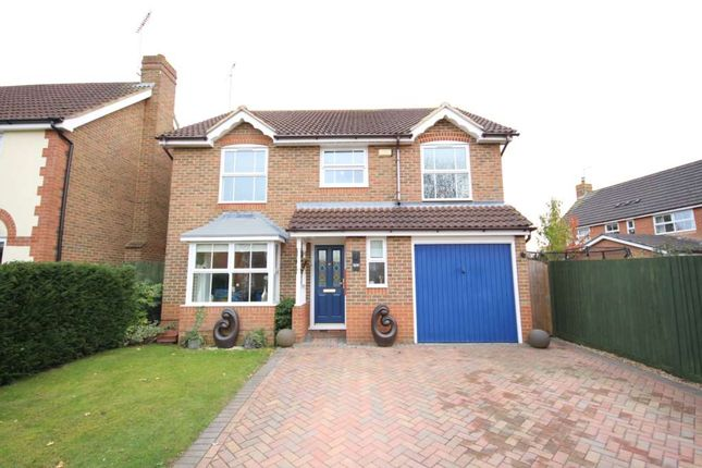 Thumbnail Detached house to rent in Yorkshire Place, Warfield, Bracknell