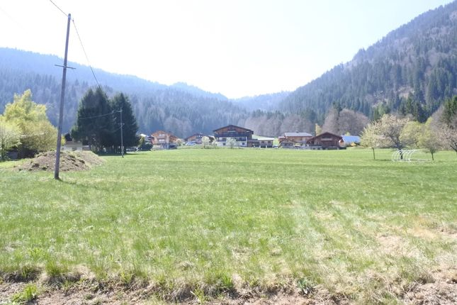 Land for sale in Essert Romand, Haute-Savoie, Rhône-Alpes, France