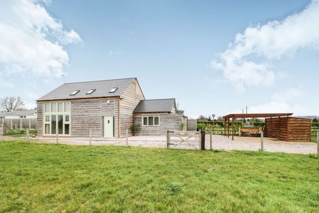 Thumbnail Barn conversion for sale in Feiashill Road, Trysull, Wolverhampton, South Staffordshire
