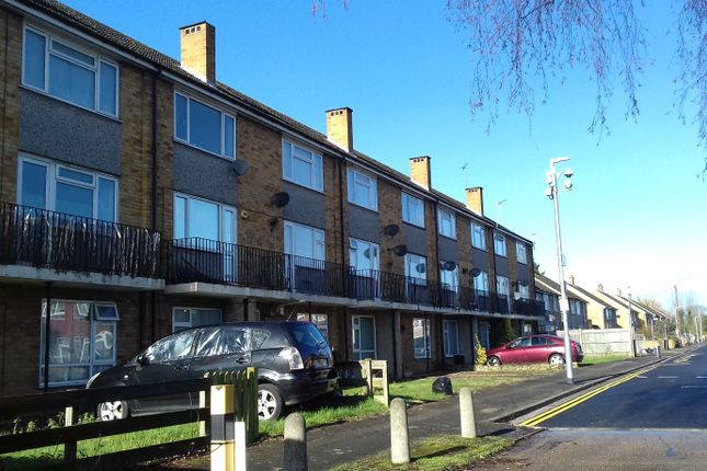 Thumbnail Flat to rent in Langsdale Drive, Hayes