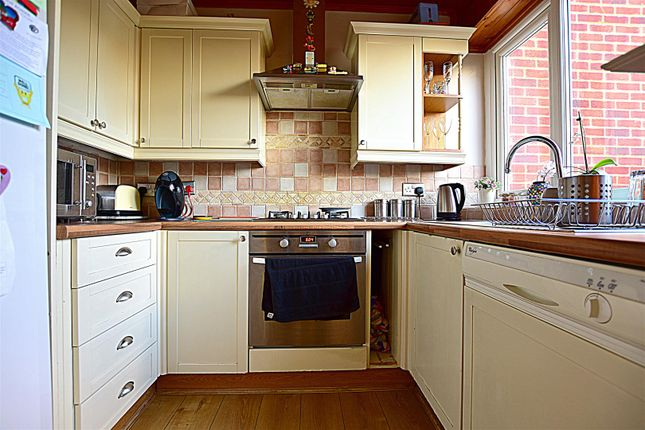 Kitchen of Old Road East, Gravesend DA12
