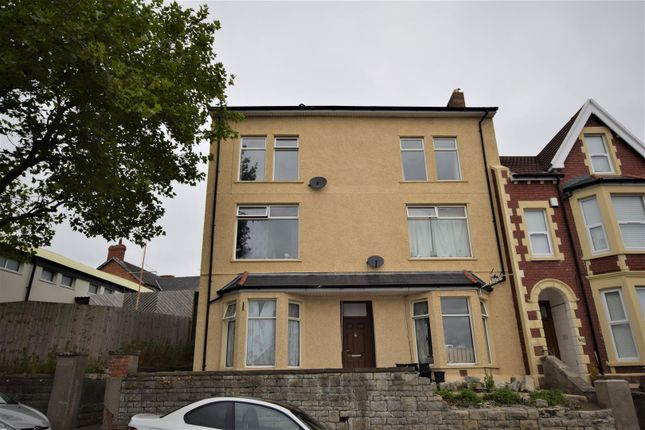 Thumbnail Flat for sale in Holton Road, Barry