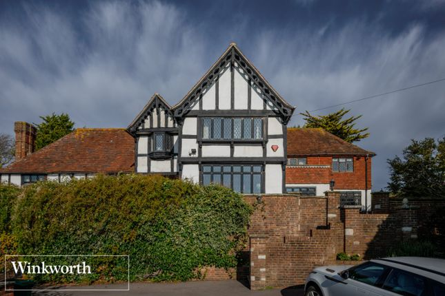 Picture No. 33 of Roedean Crescent, Brighton, East Sussex BN2