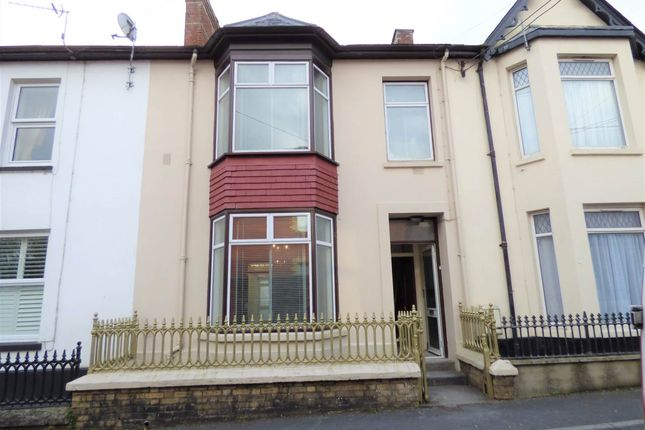 Thumbnail Property to rent in The Avenue, Carmarthen, Carmarthenshire