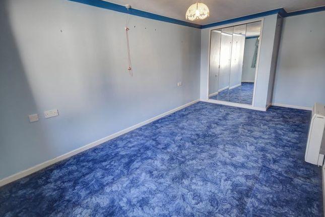 Bedroom of Mowbray Court, Heavitree, Exeter EX2