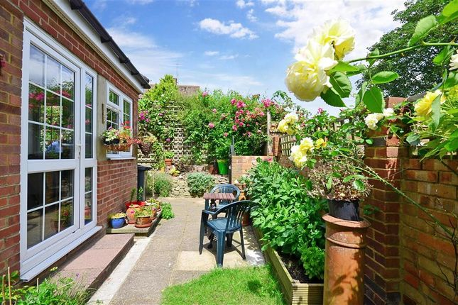 Thumbnail Detached house for sale in Maidstone Road, Lenham, Maidstone, Kent