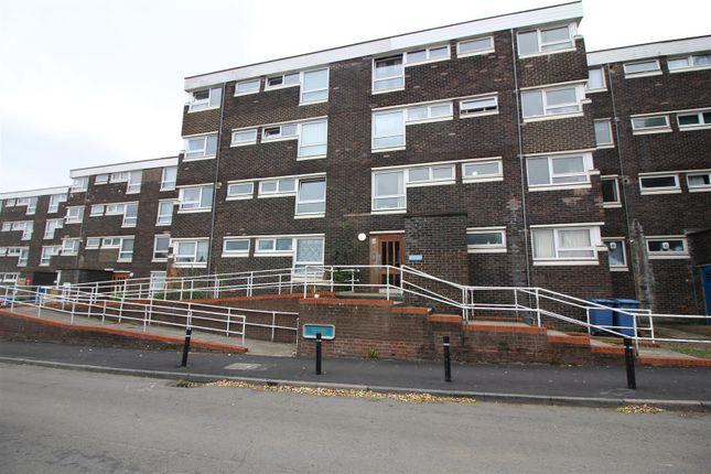 Thumbnail Flat for sale in Shawbridge, Harlow