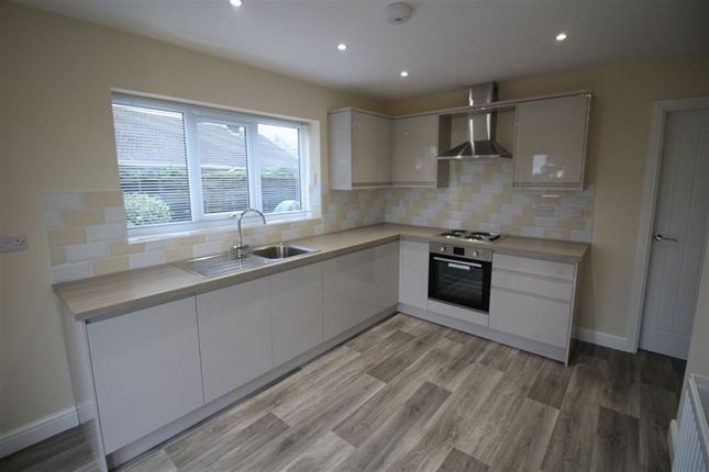 Thumbnail Bungalow to rent in Burlea Drive, Shavington, Crewe