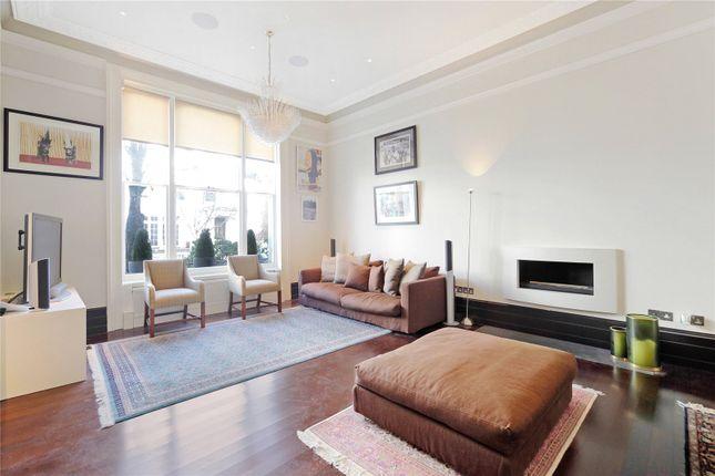 Thumbnail Flat for sale in Pembridge Crescent, London