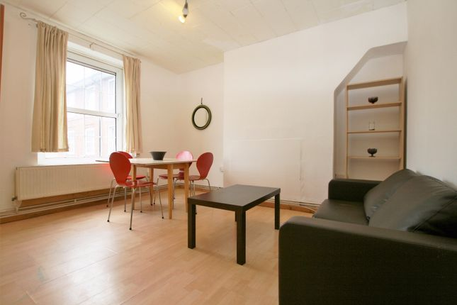 3 bed flat to rent in Wheler House, Quaker Street, Greater London