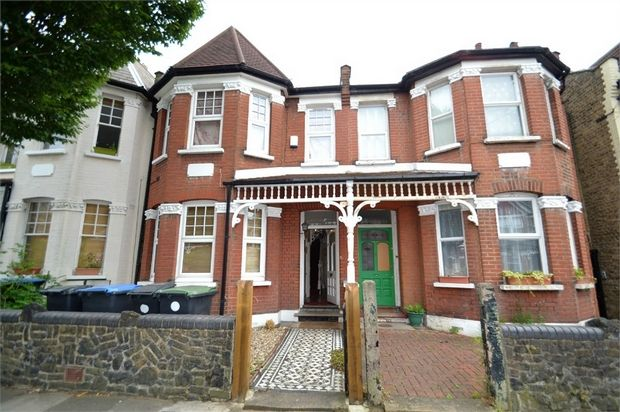 Thumbnail Terraced house to rent in Devonshire Road, Palmers Green, London