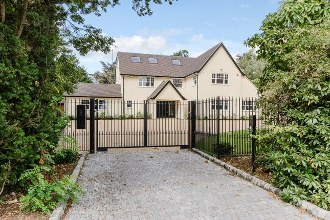 Thumbnail Detached house for sale in Kentish Lane, Brookmans Park, Hatfield