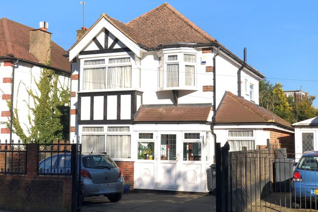 7f1a3ff9a8a 3 bed detached house for sale in Coulsdon Road