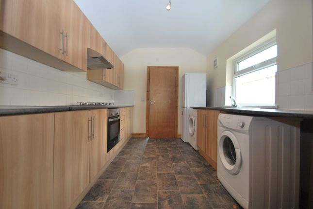 Thumbnail Flat to rent in Woodville Road, Cathays