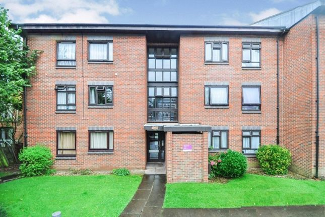 Thumbnail Flat to rent in Friern Park, London