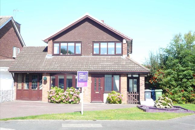 Thumbnail Detached house for sale in Clanfield Avenue, The Oaklands, Wednesfield, Wednesfield