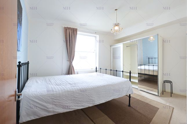 Studio to rent in Porchester Square, Bayswater, London