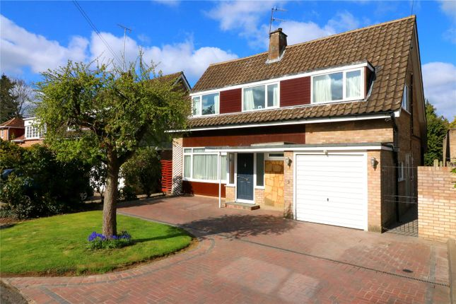 Thumbnail Detached house for sale in Baytree Walk, Watford