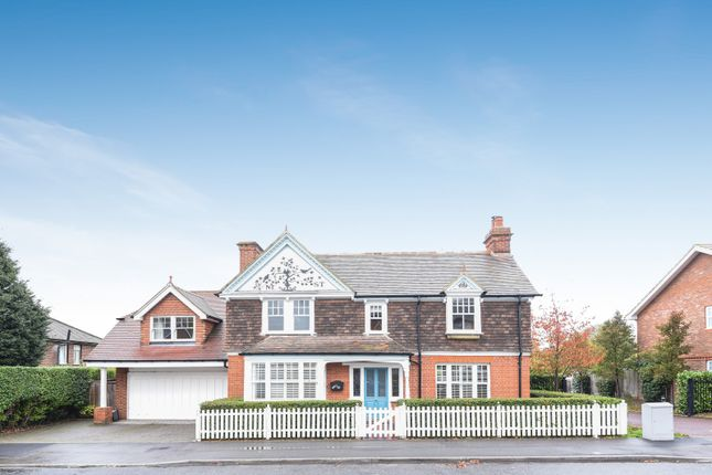 Thumbnail Detached house for sale in Victoria Road, Wargrave