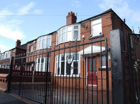 Thumbnail Shared accommodation to rent in Mornington Crescent, Manchester, Greater Manchester