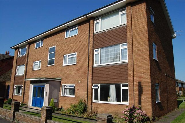 Thumbnail Flat to rent in Scalby Road, Scarborough